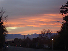 Sunrisegreetstheclouds