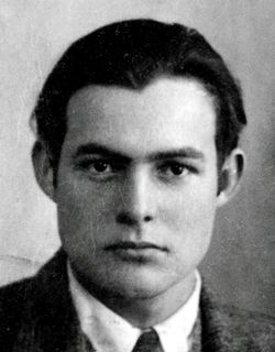 Hemingway's 1923 passport photo