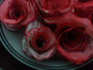 Paper roses strunk and white 1