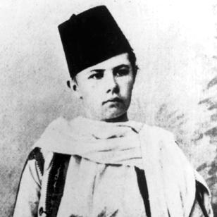 SIsabelle Eberhardt as Si Mahmoud Essadi