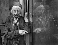 Imogen Cunningham & her reflection