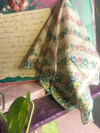 Aedm 5 handkerchief