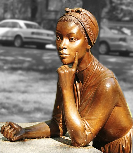 The Phillis Wheatley Monument is in Bosto
