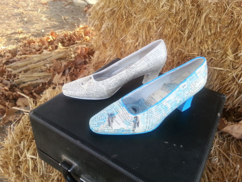 Mixed Media Art Shoes waiting atop a manual typewriter case from 1946 waiting on a hay cube. The perfect Bakersfield combination.