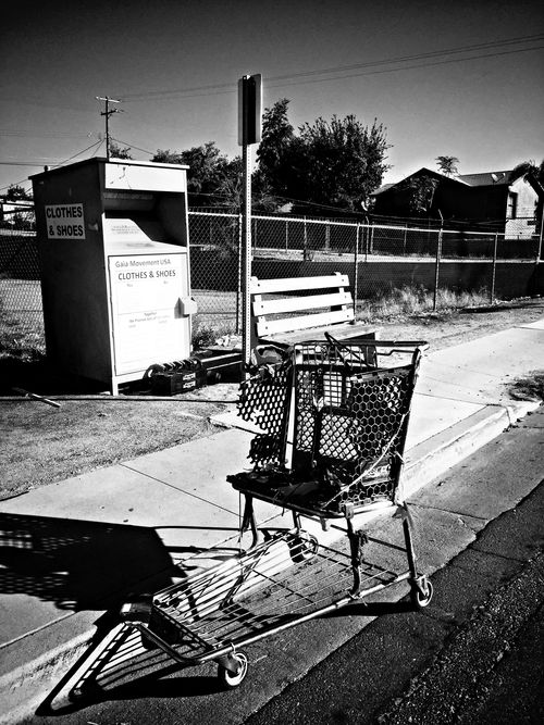 Shopping cart on Columbbus black and white